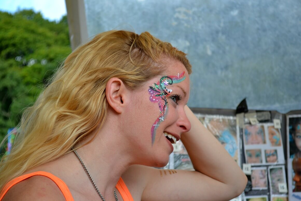 face painting love summer festival