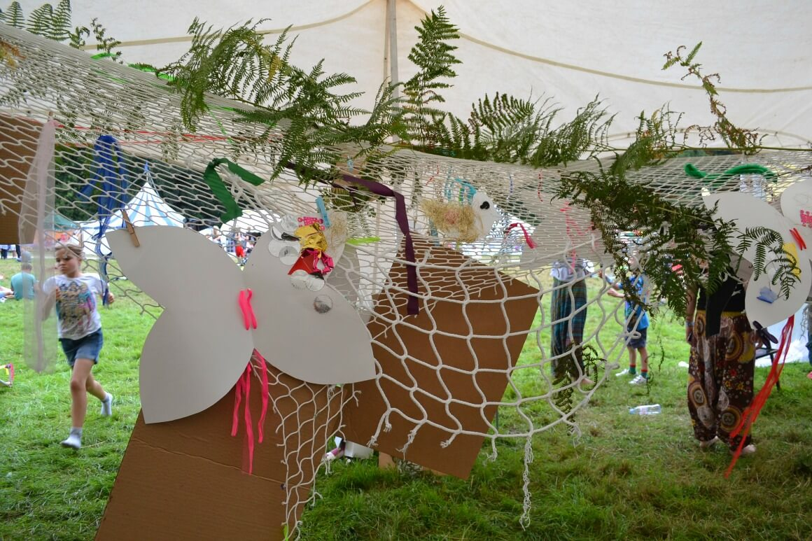 kids craft at Love Summer Festival
