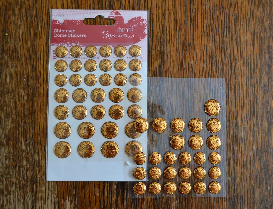 How to make gold glittery gatsby party invites