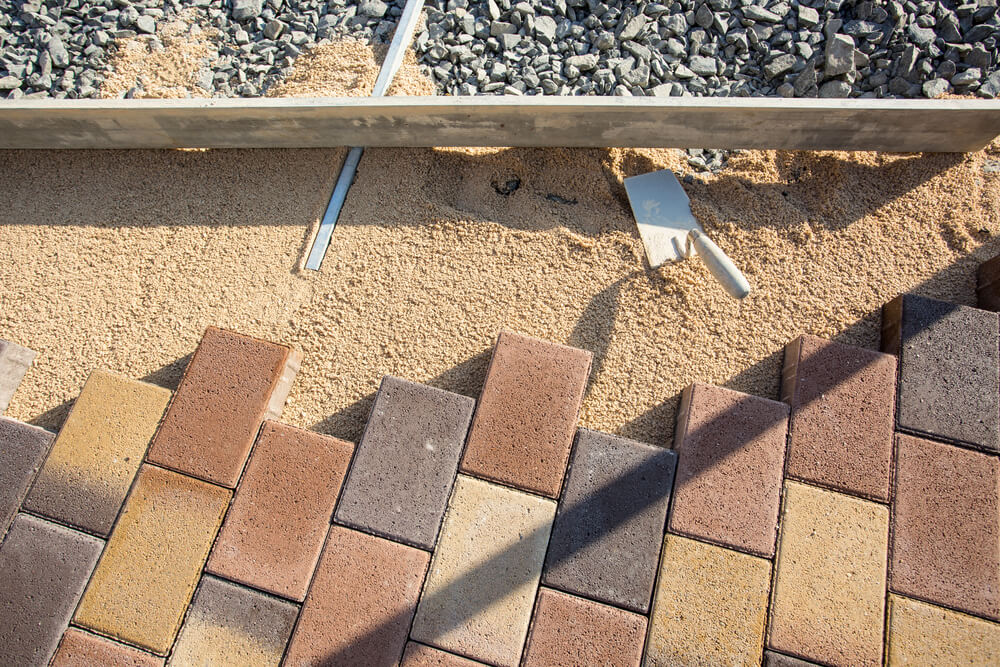Making a pavement using recycled bricks