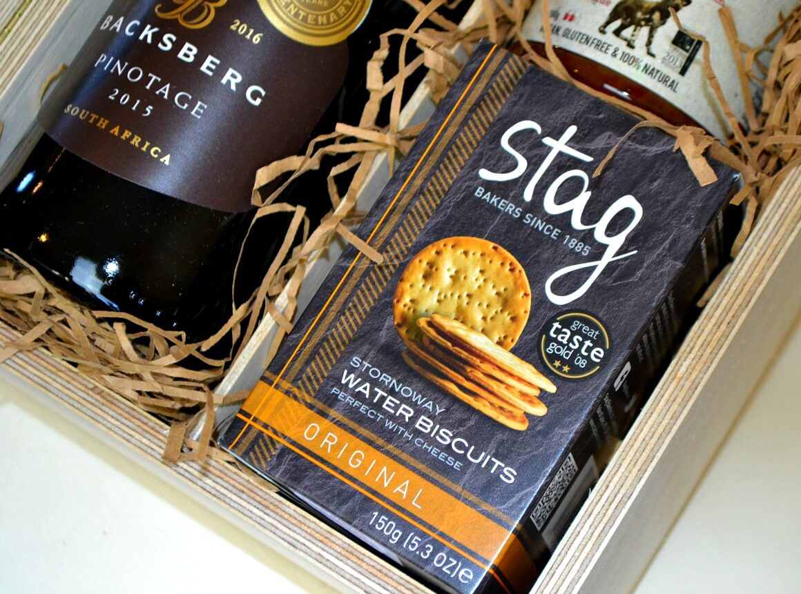 Stag Bakers cheese biscuits