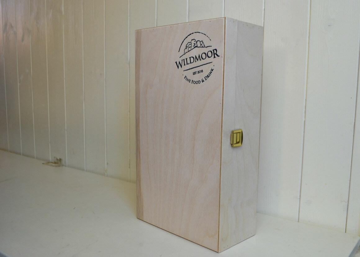 Wildmoor wine & cheese box
