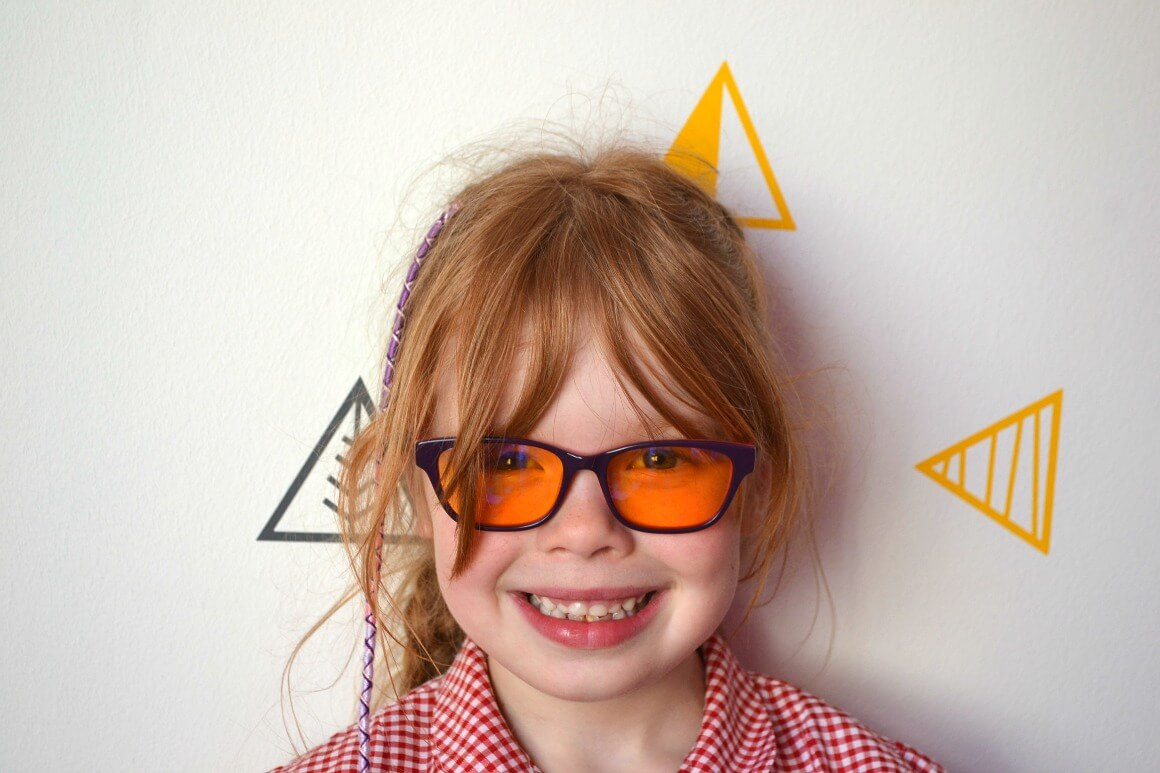 Bloxx glasses for kids Protect their eyes from artifical blue lights from devices and tablets