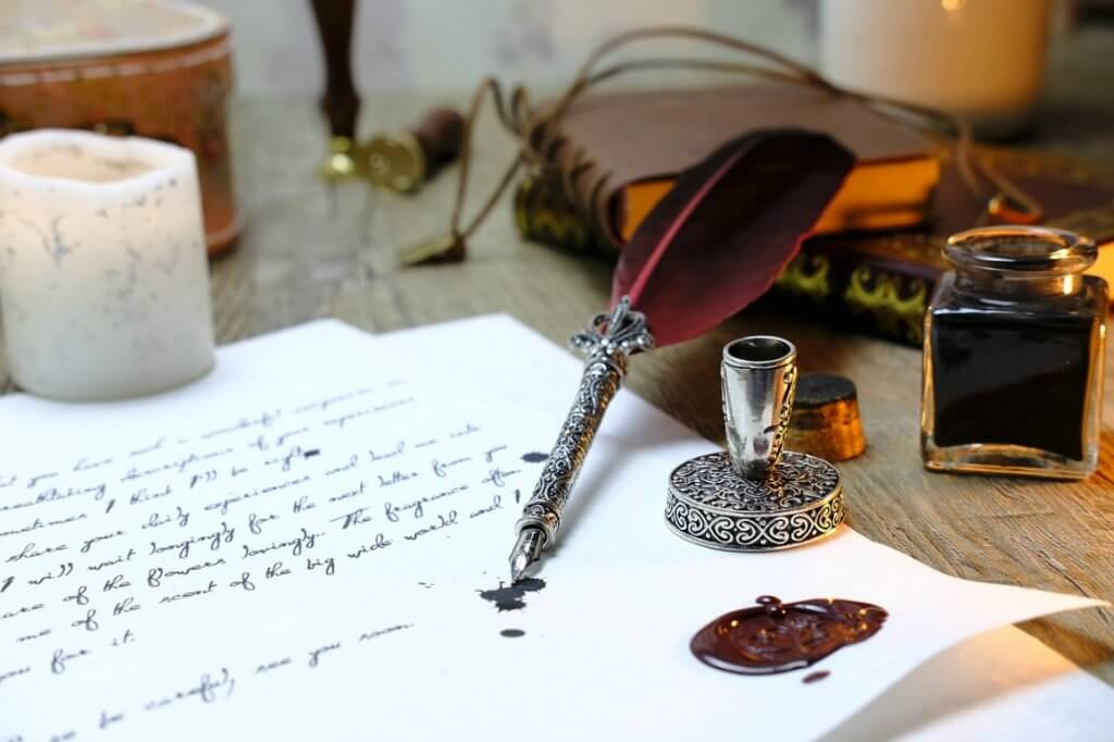Fountain pen with feather