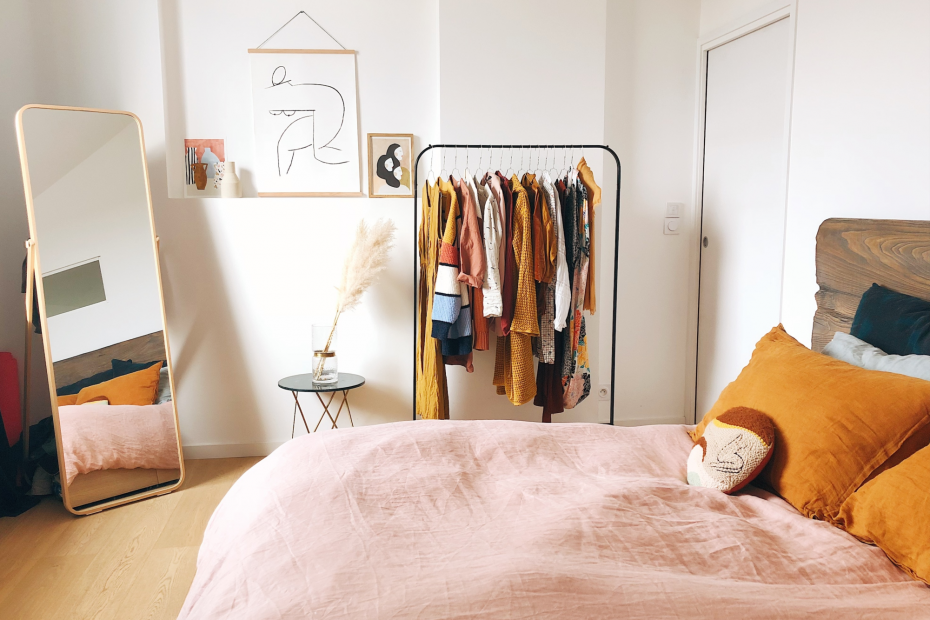 How to declutter your clothing in one go